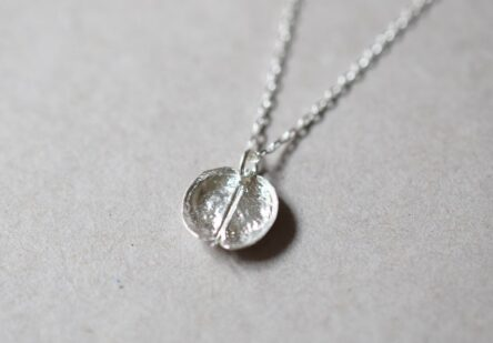Necklace Round Leaf