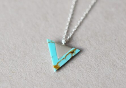 Necklace Triangle Turkis or Howlith