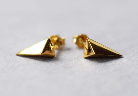 Earstuds Triangle