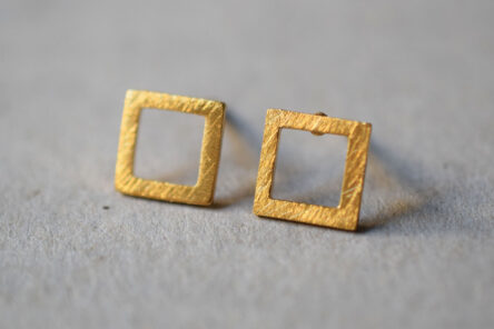 Earstuds brushed Square