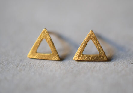 Earstuds brushed Triangle