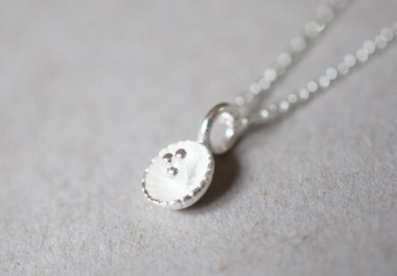 Necklace Dotty Flower