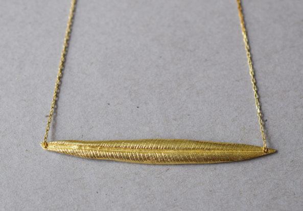 Necklace diagonally Leaf