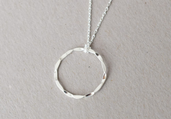Necklace hammered Ring