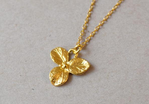 Necklace three Leaf
