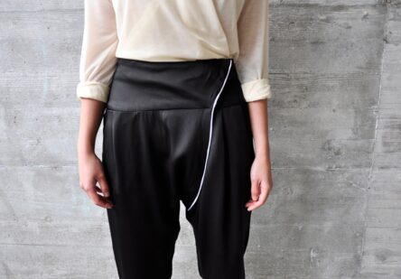 Pant with Diagonal Closure