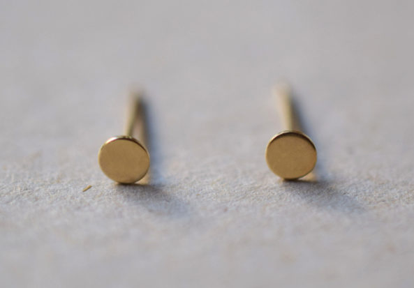 tiny Dot Earstuds