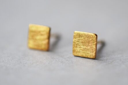 Earstuds Square
