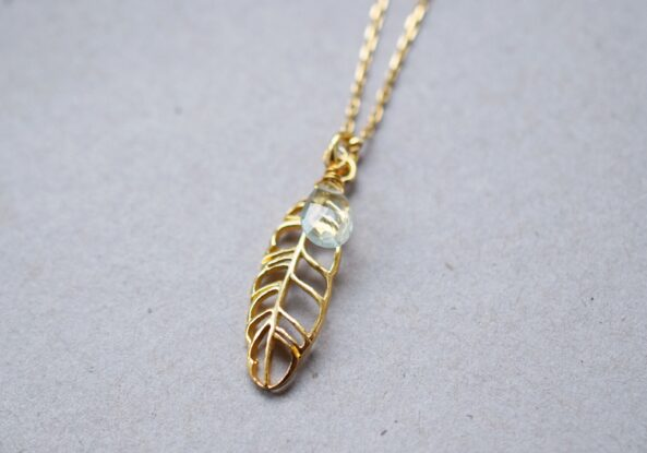 Necklace Feather with Aquamarine