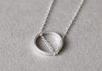 Necklace-crossed-Ring-2