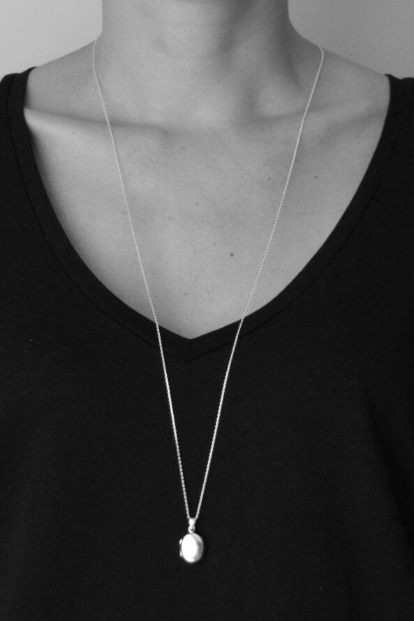 NecklacewithLocket